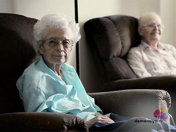 Сенильная (старческая) деменция: симптомы и признаки, которые указывают на слабоумие